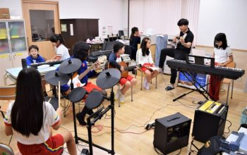 Music room from the school's facilities