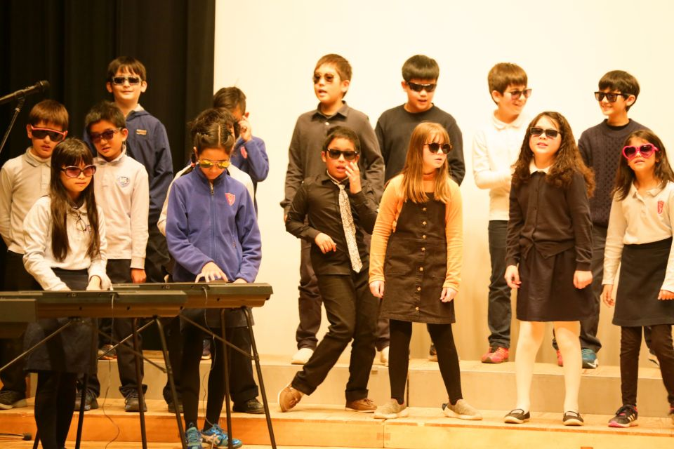 Shinagawa International School Year End Performance with middle students