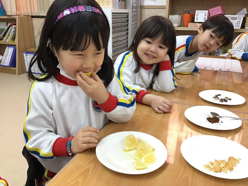 Day care with Pre-K students who eat fruits at SIS