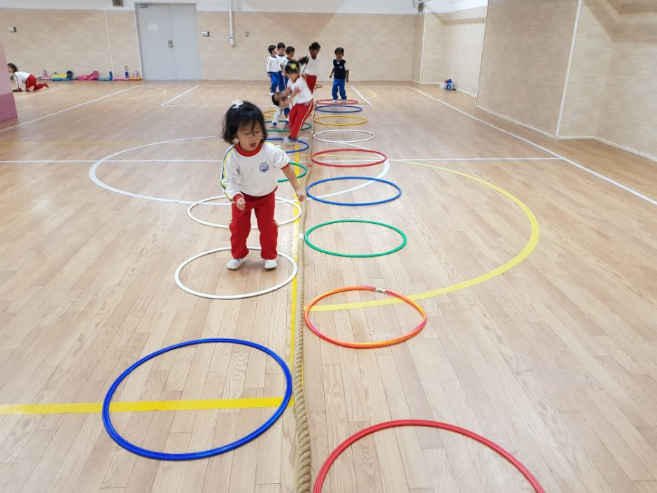 PE Activities with IB PYP Early Years in gym
