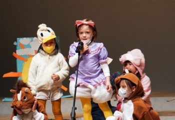 Kindergarten students perform Winter Performance 2020 at Curian Hall