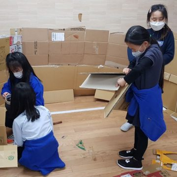 Cardboard maker time with our students